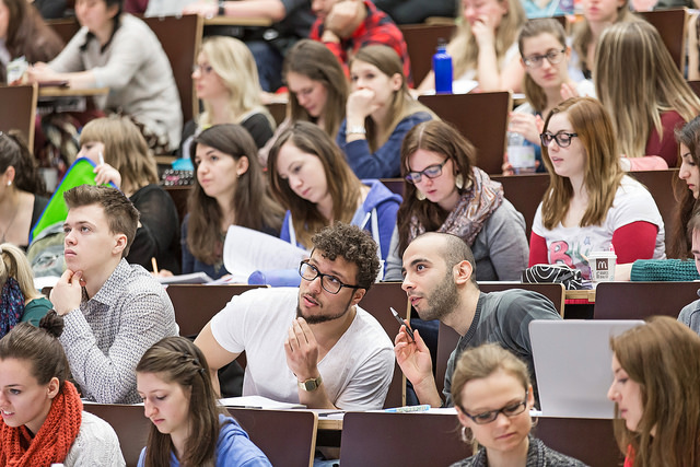 Estudiantes de traducción e interpretación en el Extranjero