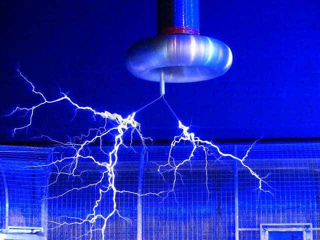 Bobina de Tesla - Estudiar Ingeniería Eléctrica ó Ingeniería Electrónica en Alemania